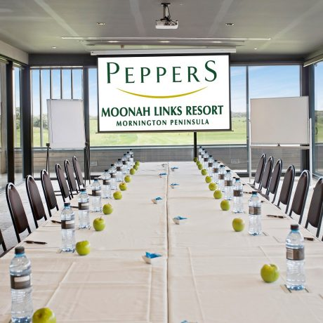 The unique conference lodges at Peppers Moonah Links Resort boast their own event space with indoor and outdoor fireplaces, floor to ceiling alfresco doors opening onto a large terrace overlooking the magnificent vista of the open course